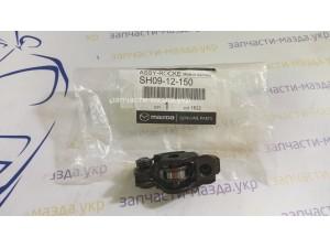 Рокер, коромысло выпускного клапана Мазда СХ5 2,2 дизель SH0912150 SH0112150A SH0112150