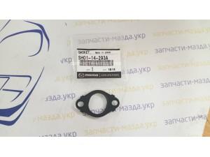 Прокладка трубки подачи масла Мазда СХ5 SH0114293A S55014293A